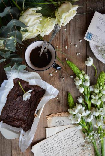 Brownies cioccolatosi al caffè e uvetta