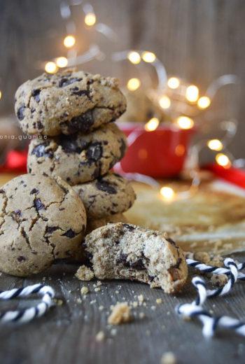 Biscotti felici con scaglie di cioccolato, senza glutine