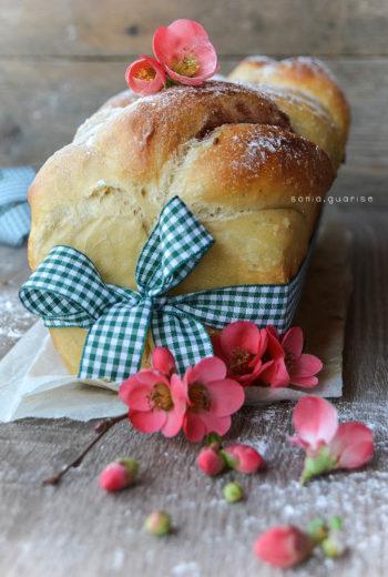 Pan Brioche senza burro con crema al pistacchio, amaretti e marmellata