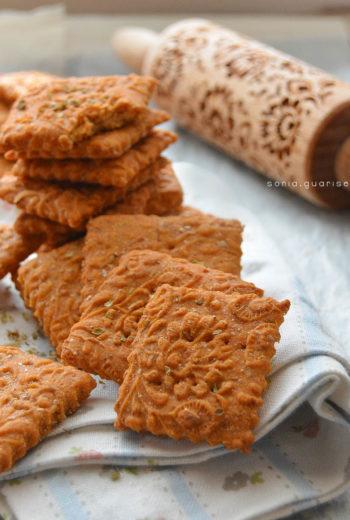 Crackers con farina di lupini all'origano