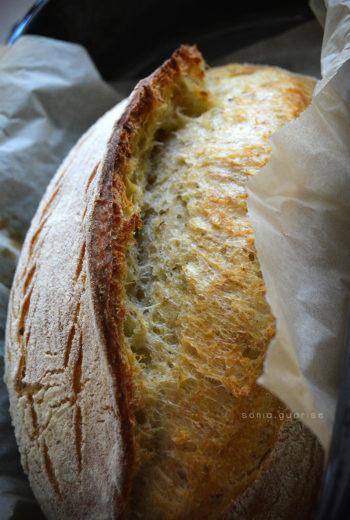 Pane di semola all'origano