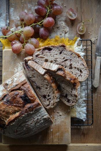 Pane dolce al sugo d'uva