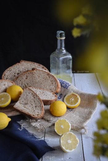 Pane integrale al limoncello e zest di limone